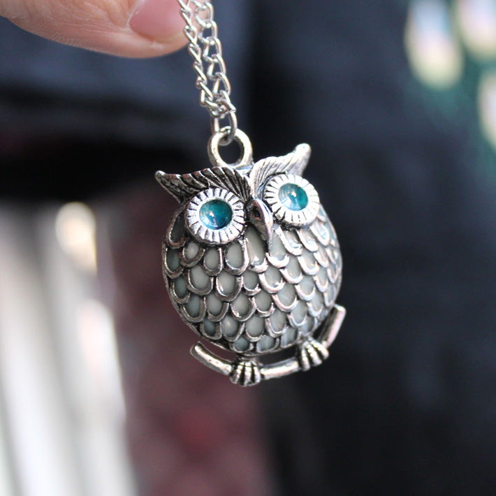 Silver Plated Luminous Owl Necklace GLOW in the DARK