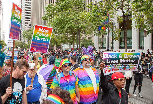 https://commons.wikimedia.org/wiki/File:San_Francisco_Pride_Parade_20170625-6723.jpg