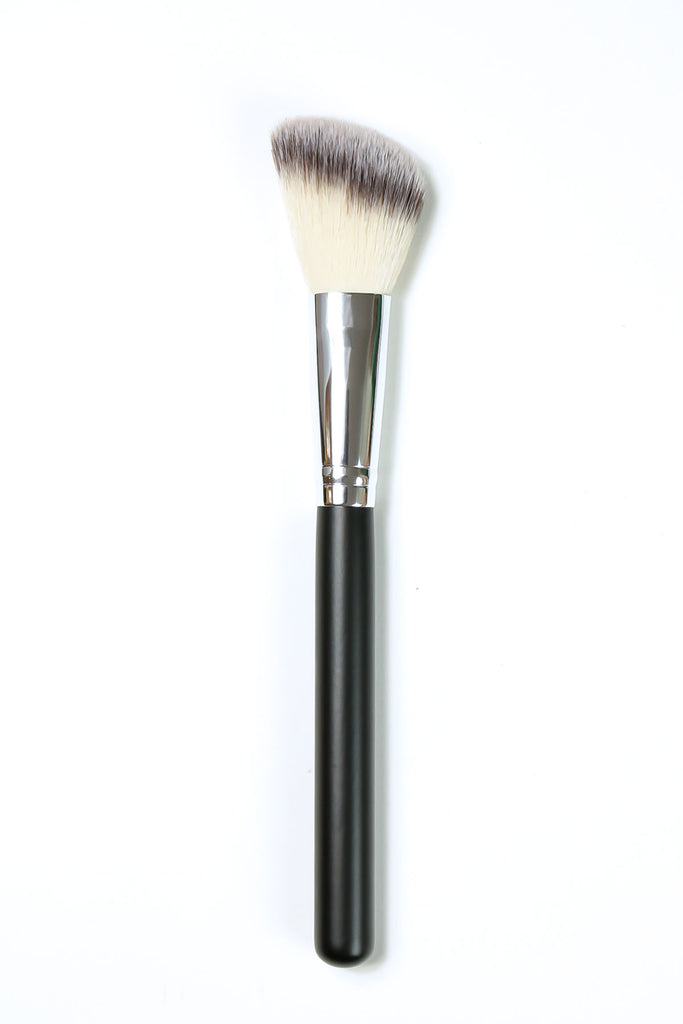 Deluxe Angle Blush Brush SS013