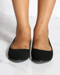 VIM VIXEN Almond Toe Flat Shoe - Black - ShopVimVixen.com