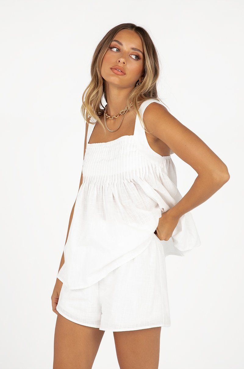 ROBYN WHITE SHIRRED TOP Clothing DISSH Boutiques 10 WHITE