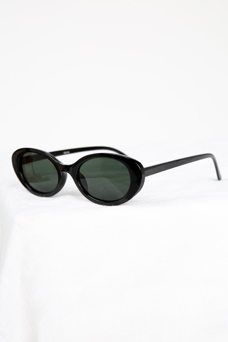 CLEO BLACK OVAL SUNGLASSES Accessories DISSH Boutiques O/S BLACK