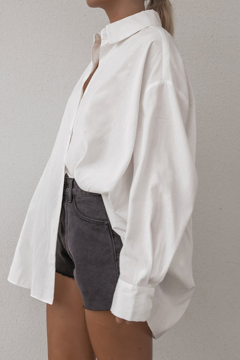EBONY OVERSIZED WHITE BUTTON UP TOP Clothing DISSH Boutiques