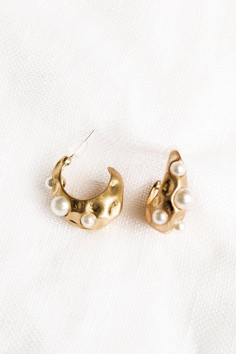 SHINE A LIGHT PEARL HOOP EARRINGS Accessories DISSH EXCLUSIVE O/S GOLD