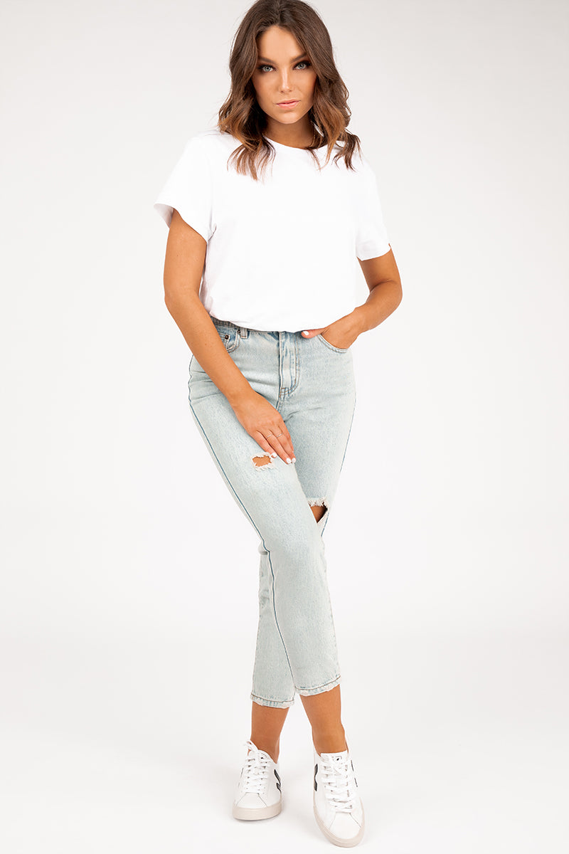 BE COOL DISTRESSED DENIM MOM JEANS Clothing DISSH EXCLUSIVE 6 LIGHT BLUE