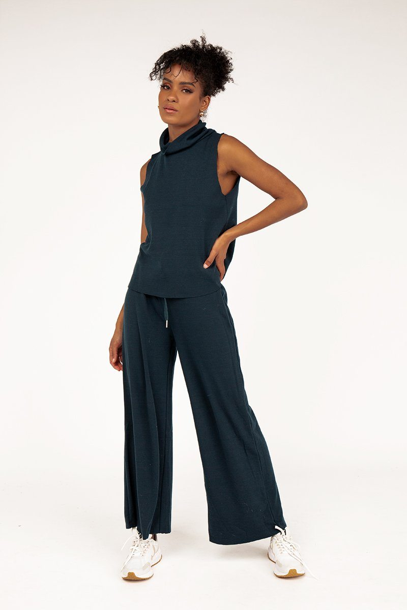 MAYA NAVY KNIT PANT Clothing DISSH Boutiques 6 NAVY