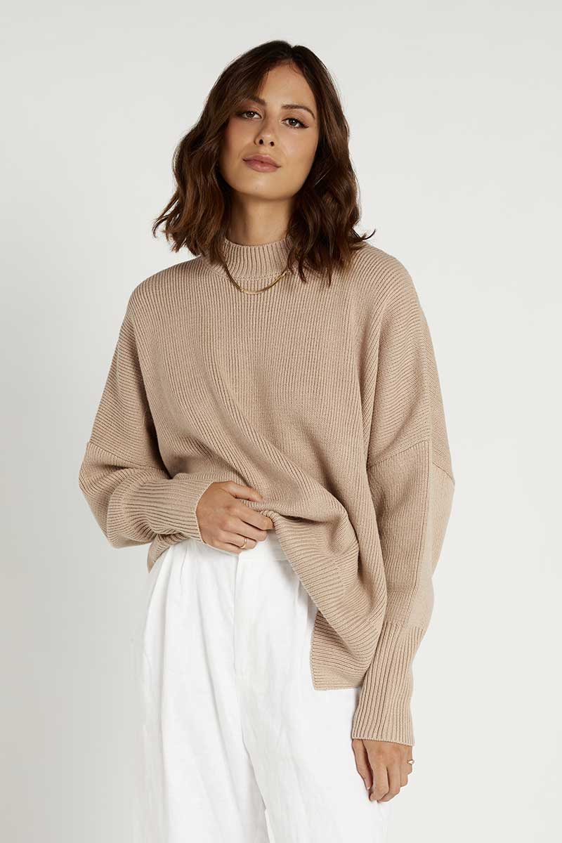 RILEY LATTE OVERSIZED KNIT Clothing DISSH Boutiques S COFFEE