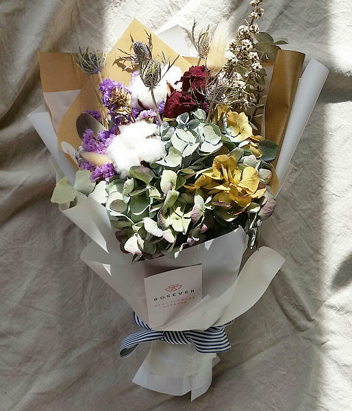 Simplicity (Dried flower bouquet) – ROSEVER