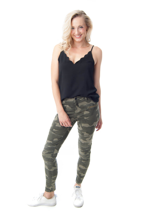 Elan Camo Jeggings with zipper details