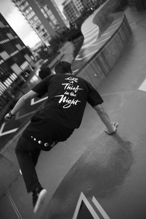 Novel Ways - Thief in the night - tall tee. Lookbook, Black t-shirt, brush calligraphy, moonphase, parkour, freerunning, streetwear, Heesoo Chung.
