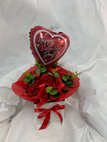 Happy Valentines Day Roses & Chocolates Box