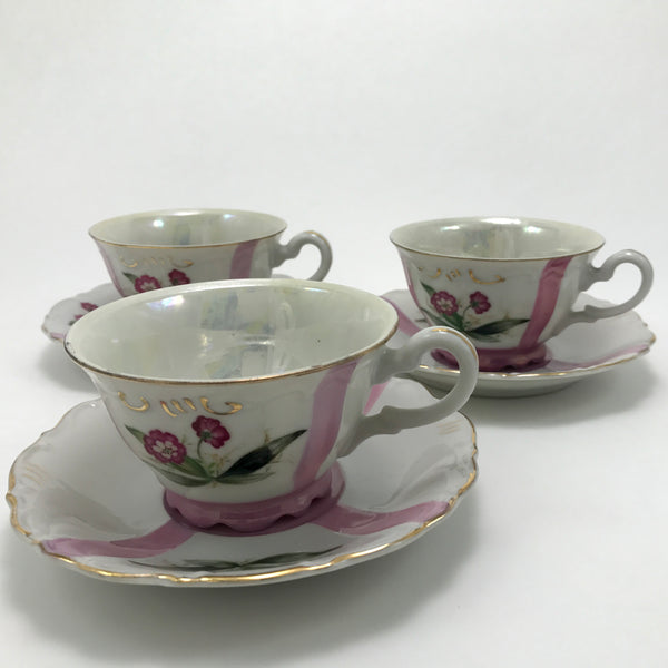 Opalescent Vintage Teacup and Saucer Trio - Blue Plum Collections