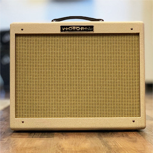 Victoria 22w Club Deluxe Reverb 1x12 Combo Amplifier