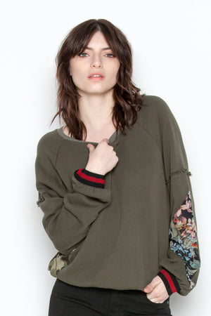 Avery Sweatshirt in Military
