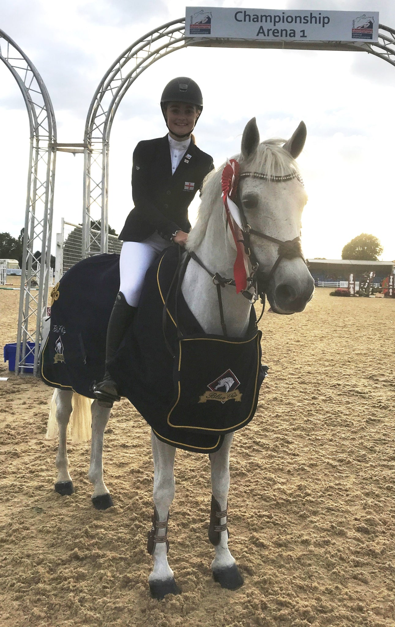 Eloise Squibb and Rudgeway Maestro win the Blue Chip Pony Newcomers Masters