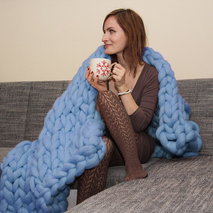 Super blue chunky knit blanket knitted blanket, knit throw, super bulky blanket, bulky gift