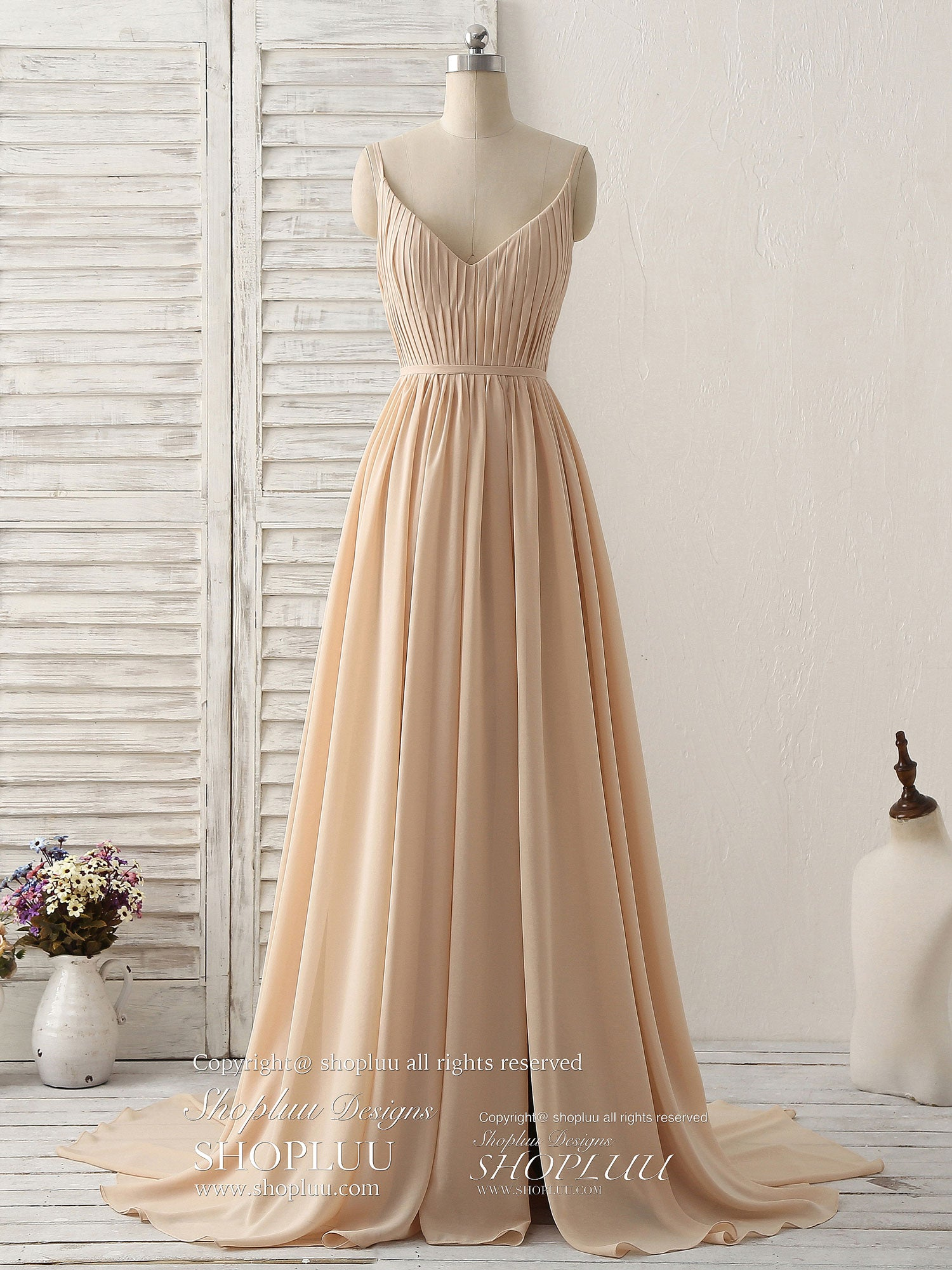 Simple champagne long prom dresses v