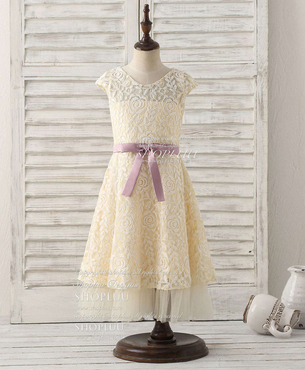 Champagne round neck lace flower girl dress