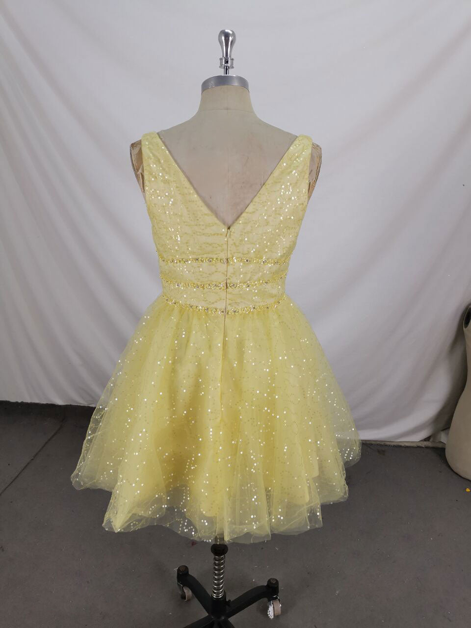 Yellow v neck tulle sequin short prom dress tulle homecoming dress