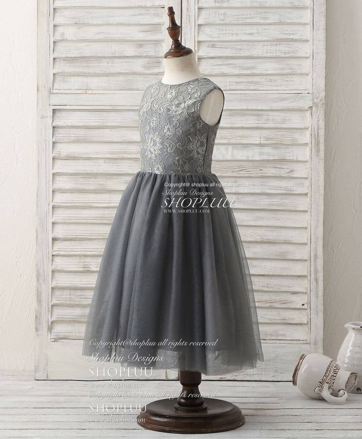 Gray round neck lace tulle flower girl dress