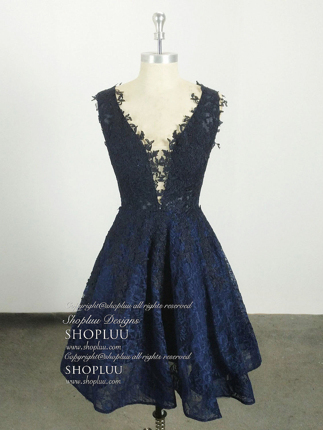 Dark Blue Lace Short Prom Dresses