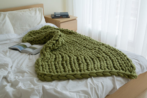 Dark green chunky knit blanket knitted blanket, chunky blanket, bulky gift