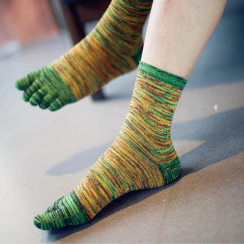 1Pair High quality Casual Socks New Designer Men Retro Color Five