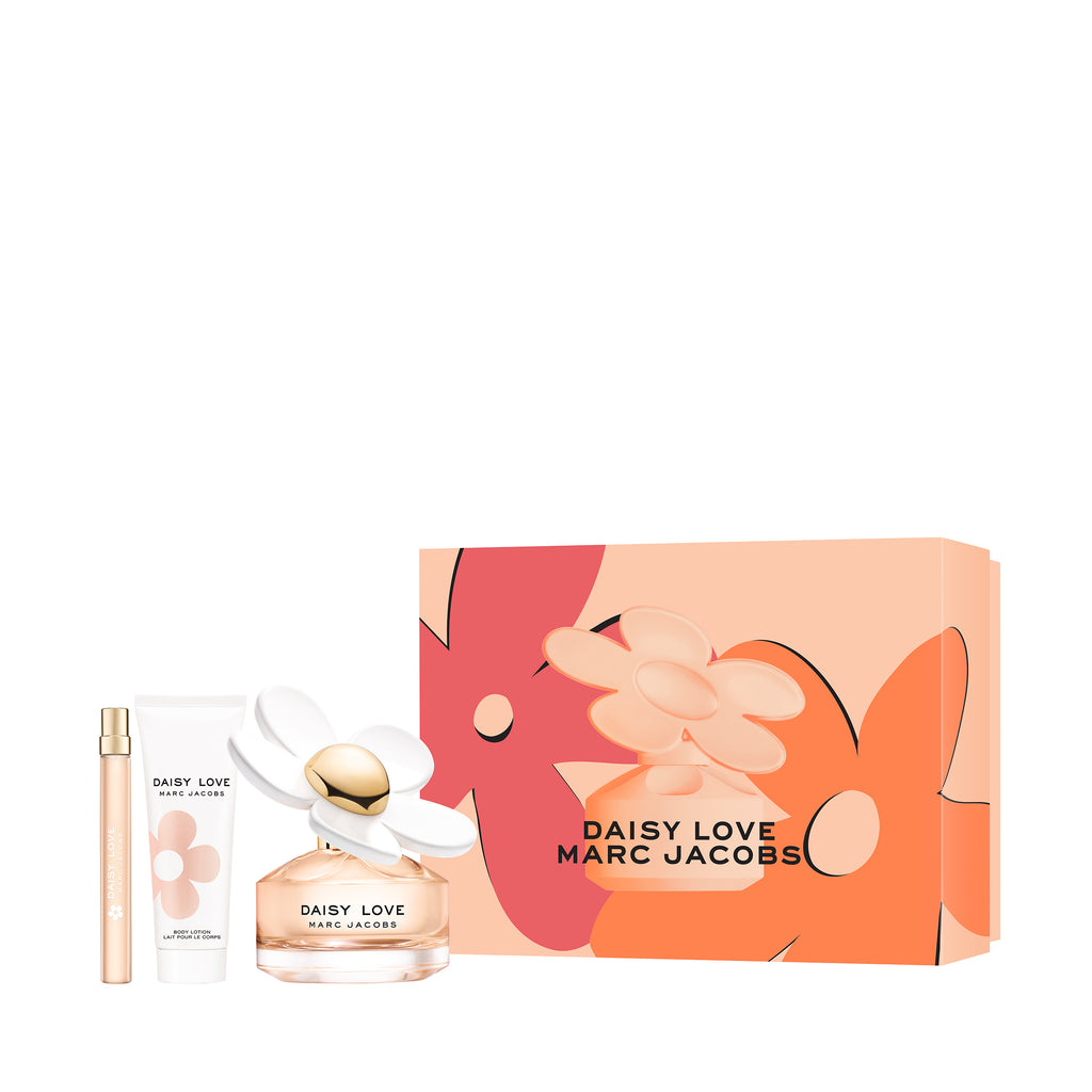 Daisy Love, an addictive floral fragrance  Set contains:  100ml EDT 75ml body lotion 10ml purse spray