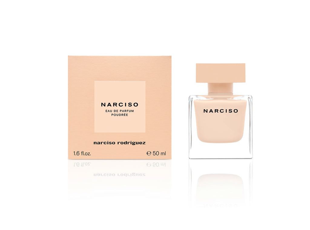 The NARCISO fragrance line continues to embody the extremes of attractiveness and the art of seduction with a third chapter of the story. NARCISO eau de parfum poudrée transcends time as it stops time.