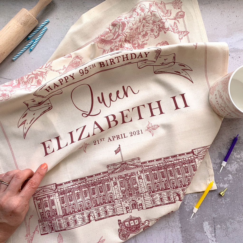 Un Official tea towel to celebrate The Queen's 95th birthday