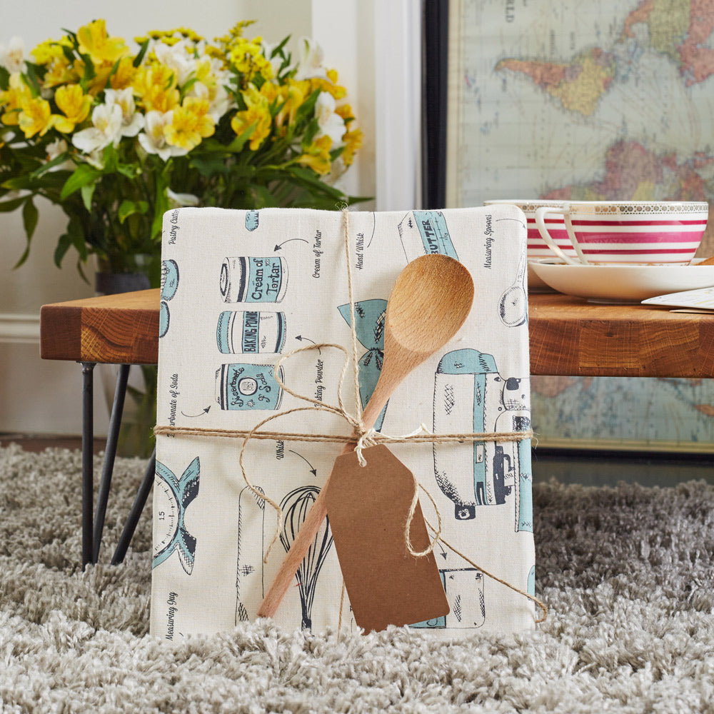 alternative-uses-for-tea-towels-gift-wrap