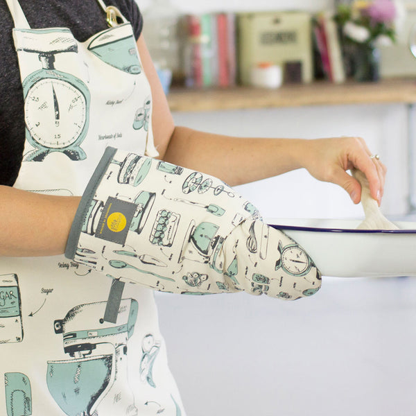 Baking Delight Oven Mitt