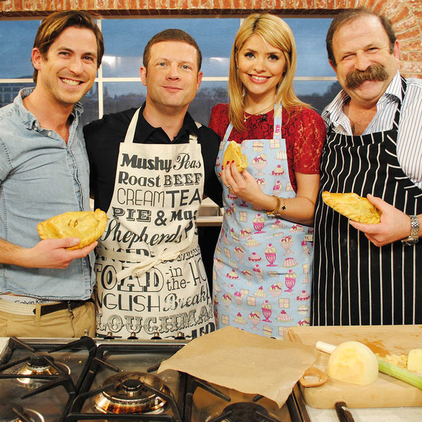 This Morning ITV, Dermot O'Leary and Holly Willoughby Kitchen apron featuring classic English dinner meals design, Kitchen apron with traditional British meals, Unisex apron featuring repeating traditional English meals, Fish and chips kitchen apron
