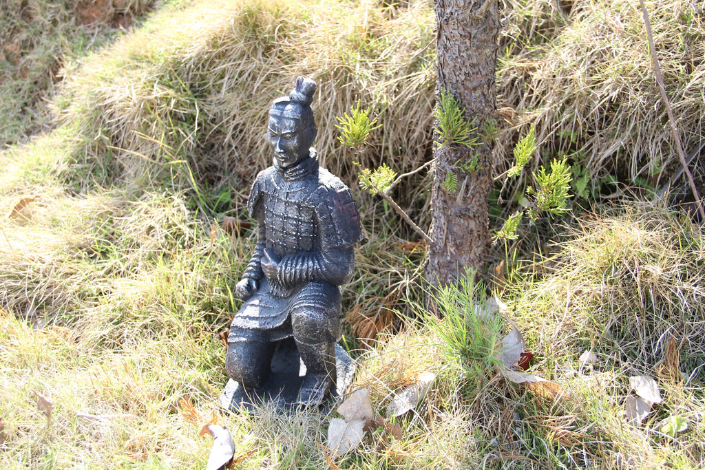 Garden Ornament General Sheng Crouching Terracotta Army Statue