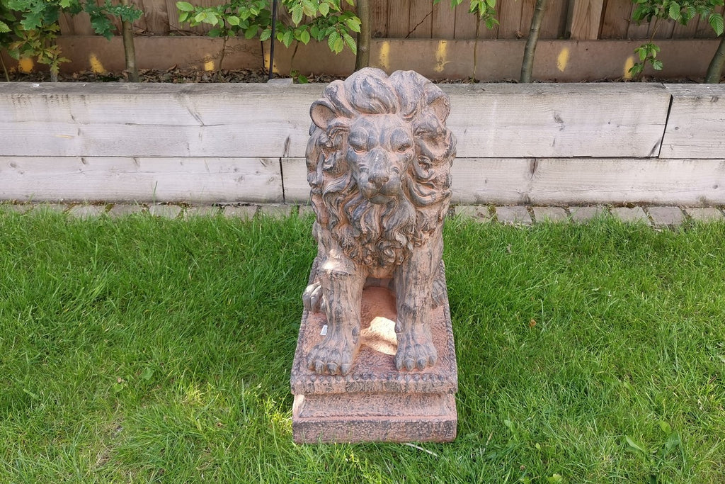 Garden Ornament Mufasa The Lion King