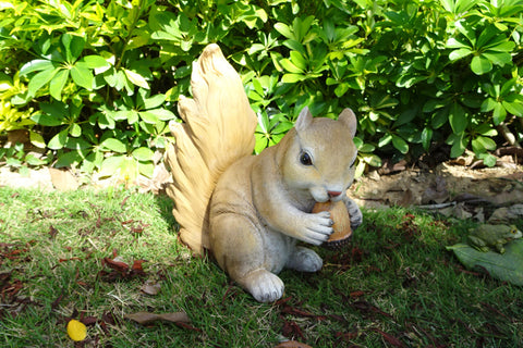 Garden Ornament Siena The Hungry Squirrel