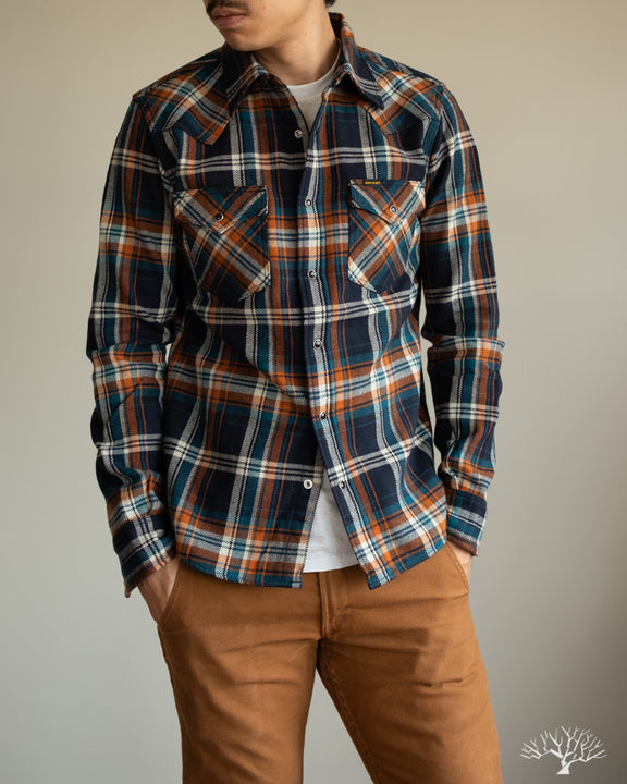 Iron Heart Ultra Heavy Flannel Crazy Check IHSH-262-NAV Model Photo Casual