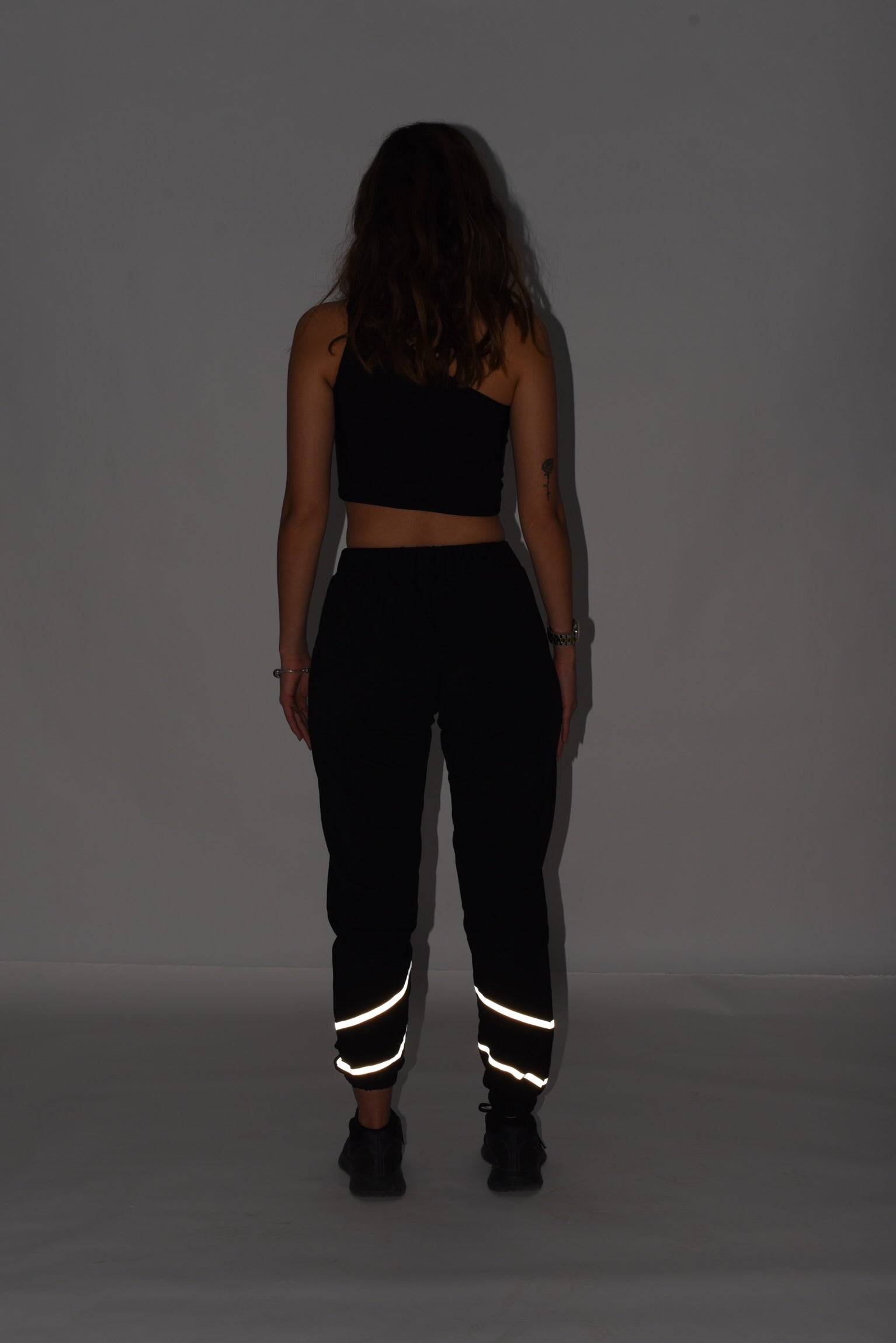 Reflective pants in black