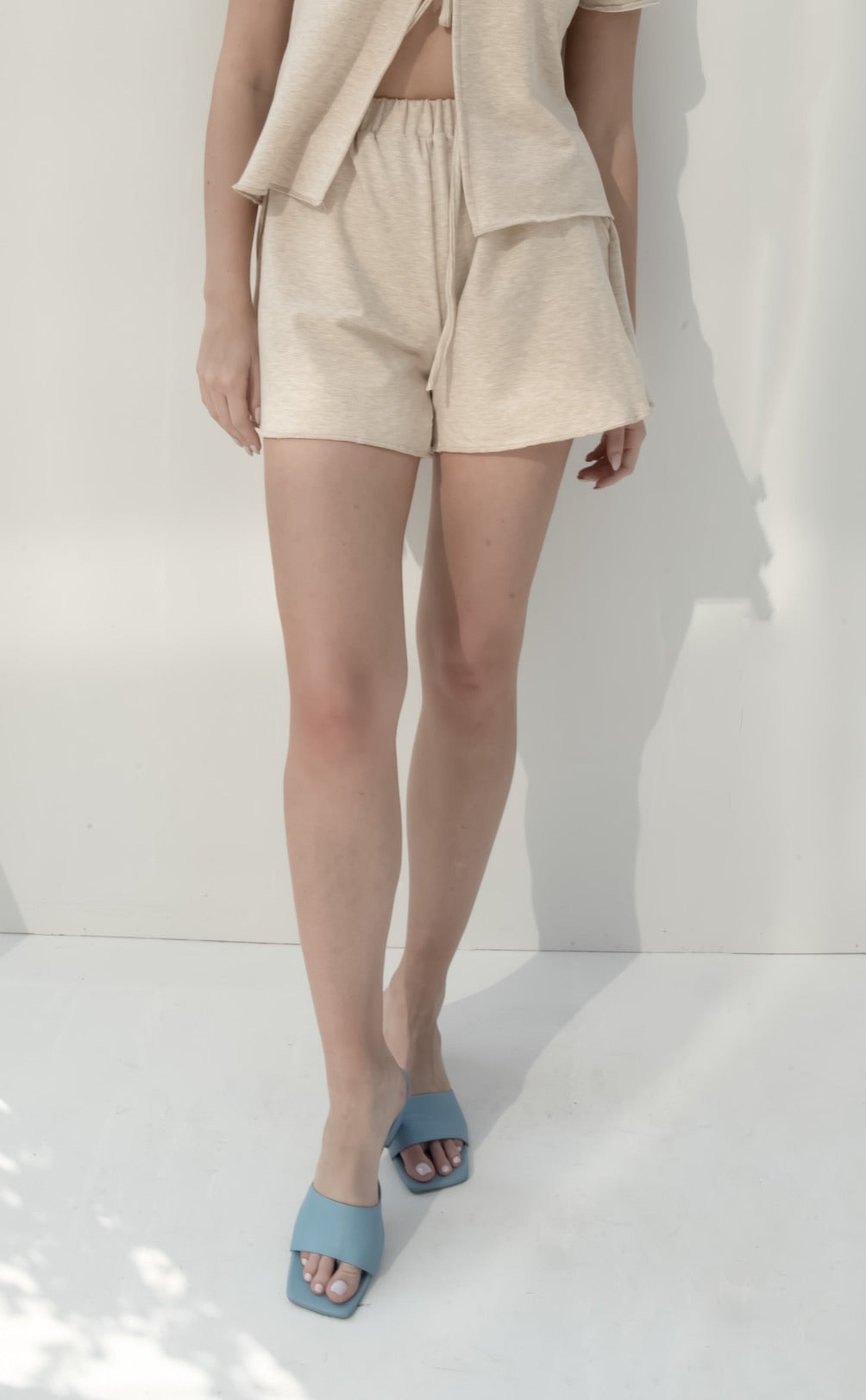 Carry shorts in beige