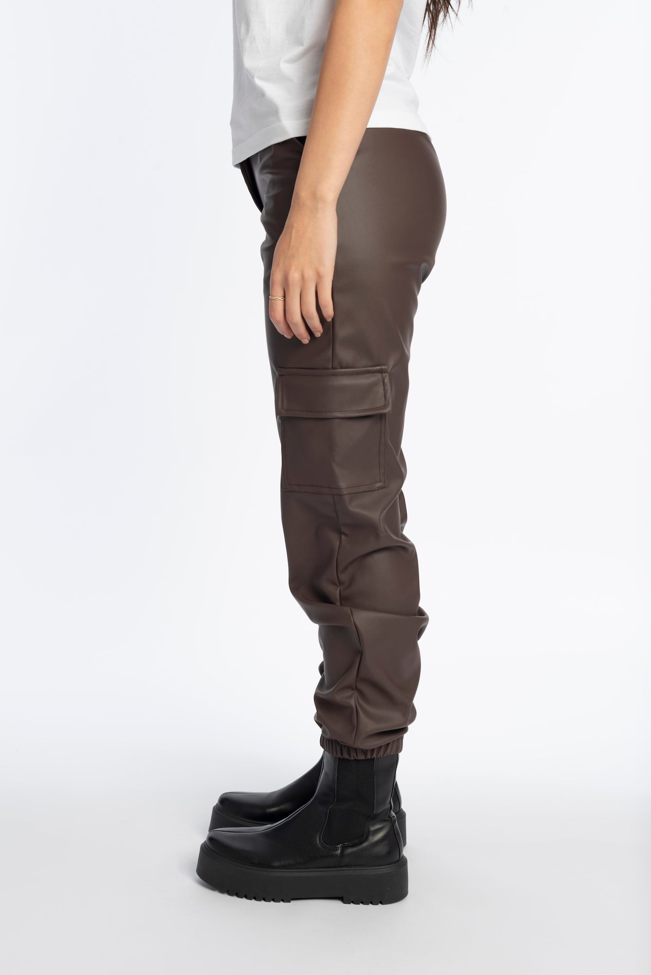 Cuffed leather pants in brown