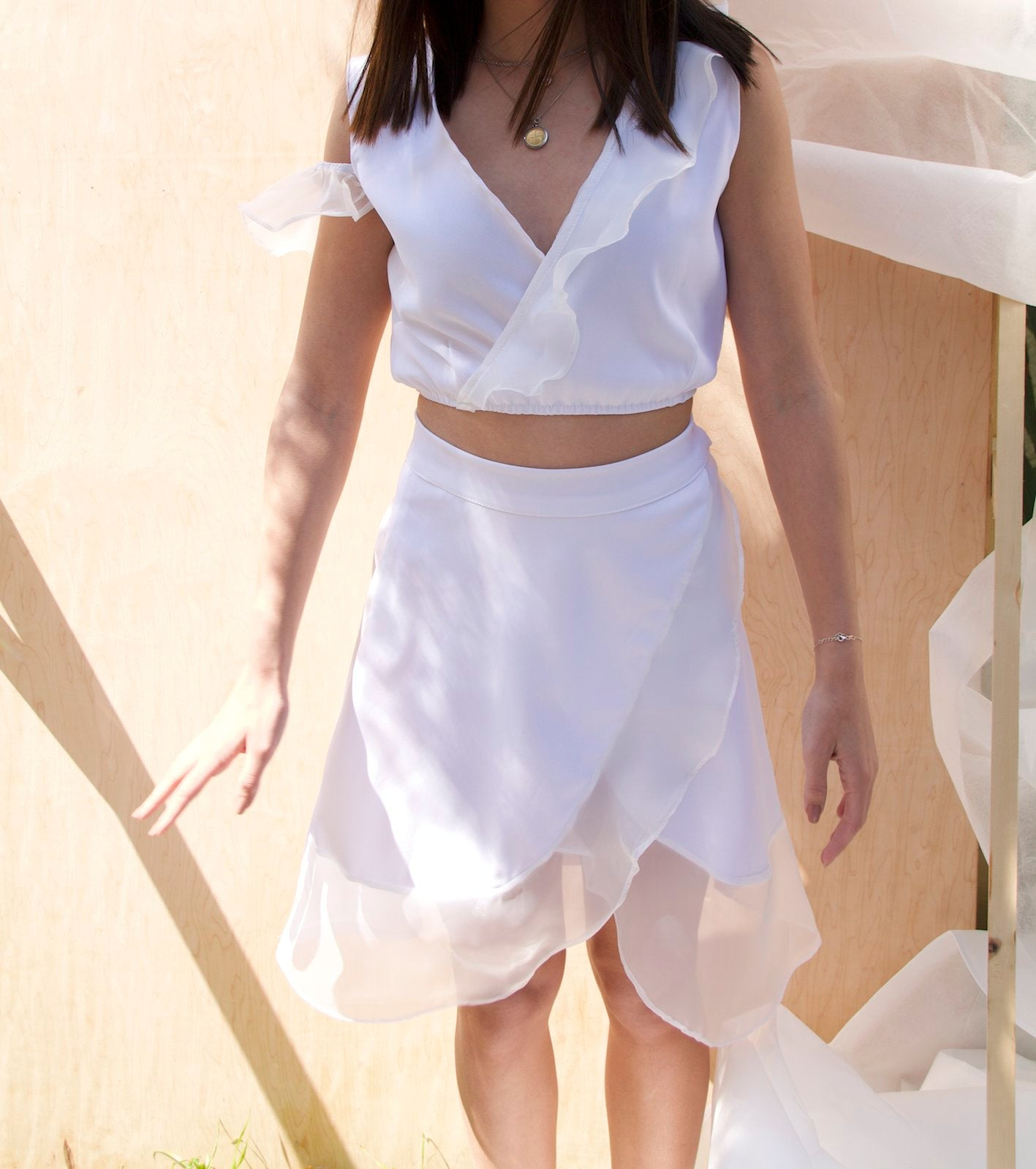 The white skirt