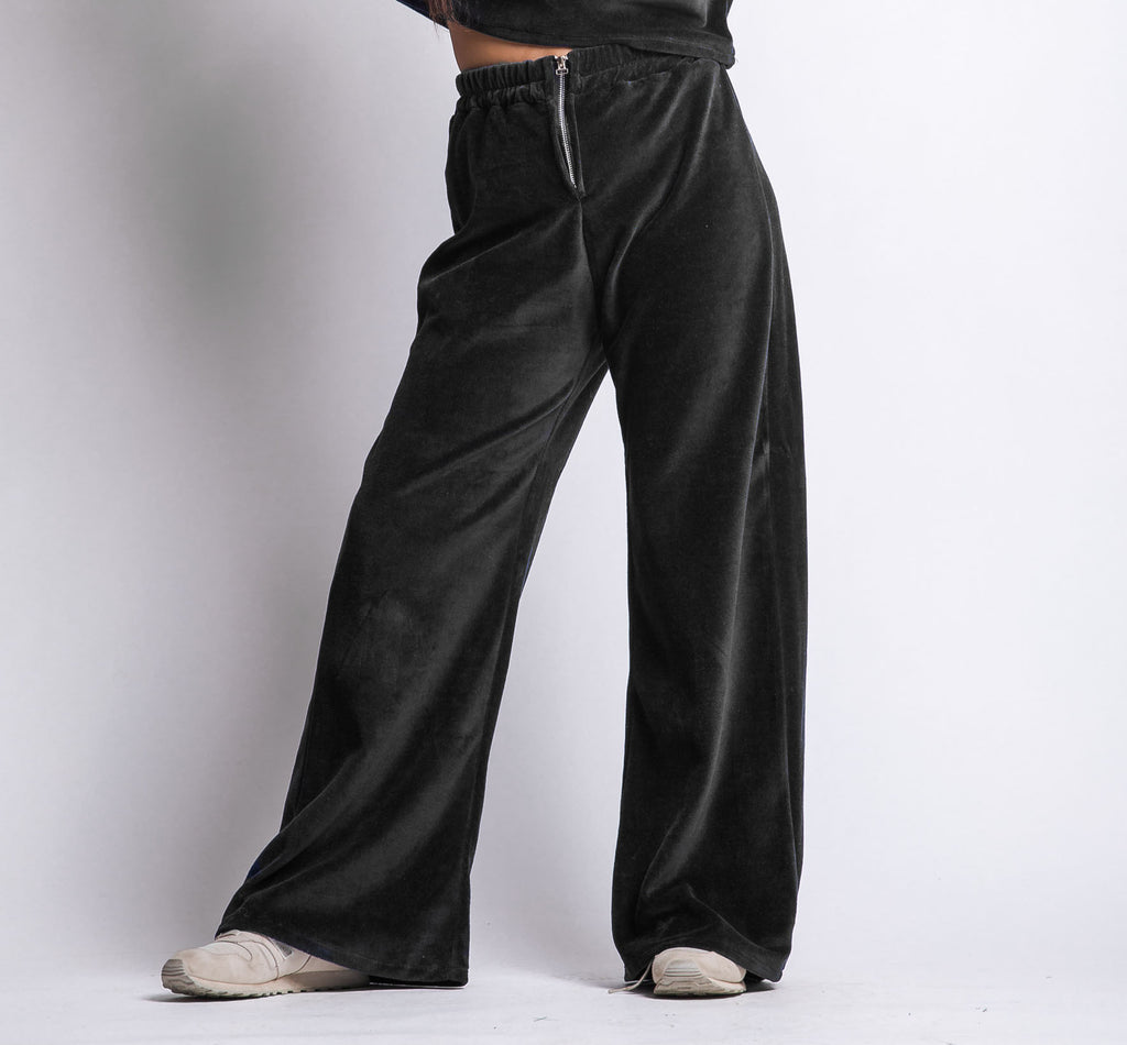 Velvet pants in black
