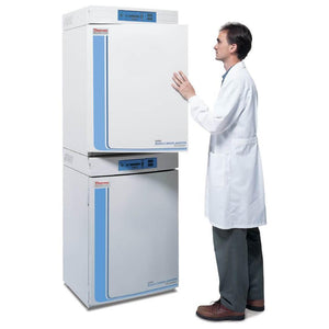 Forma™ Series II Water-Jacketed CO2 Incubators.