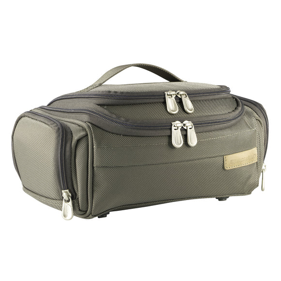 Briggs & Riley Baseline® - Executive Toiletry Kit (114)