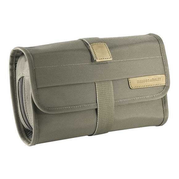 Briggs & Riley Baseline® - Compact Toiletry Kit (118)