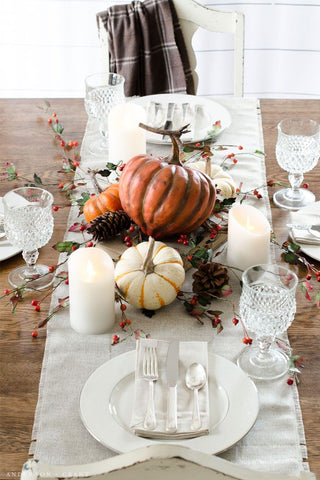 Outdoors Inspired Thanksgiving Table Decor