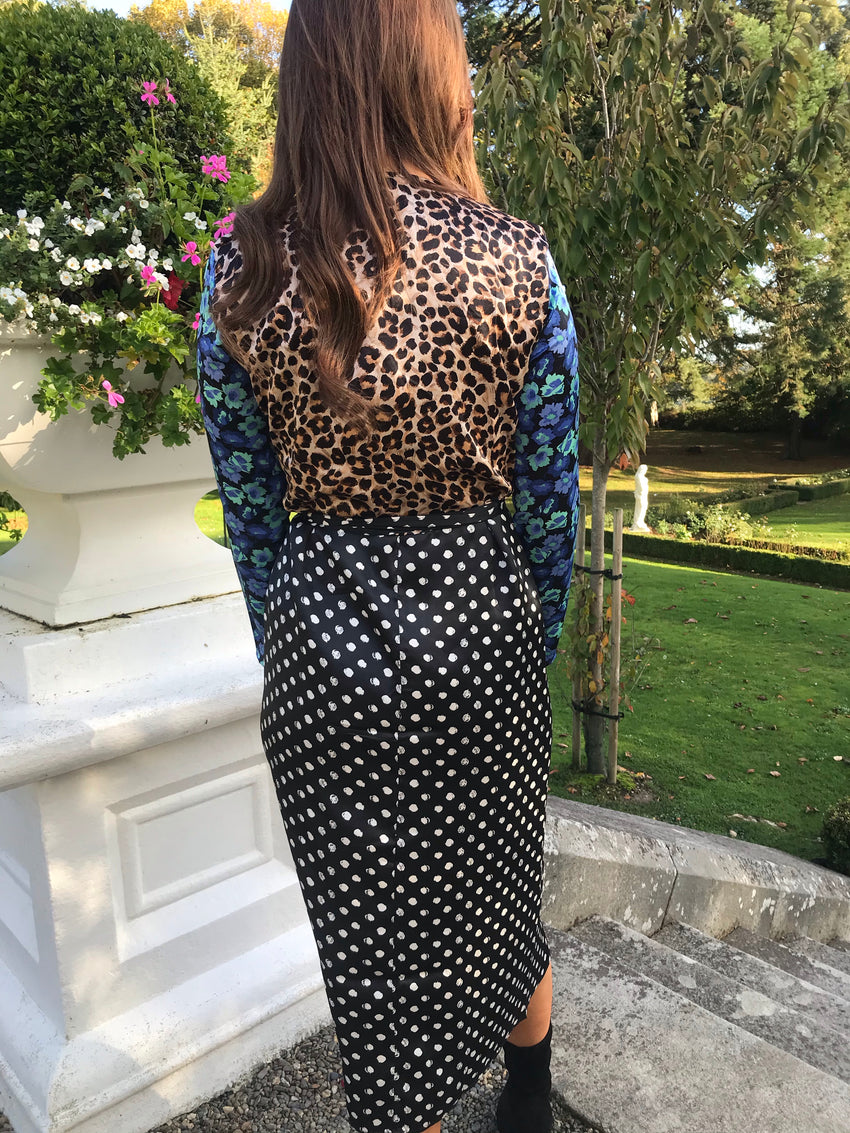 Yondal Dress Dancing Leopard Black Dotty