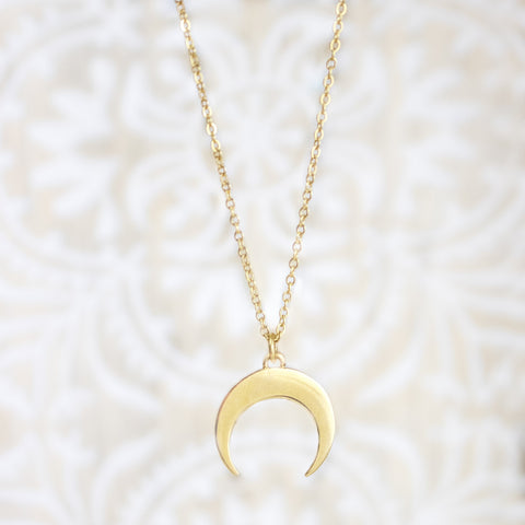 ZUDO Crescent Moon Fallen Necklace