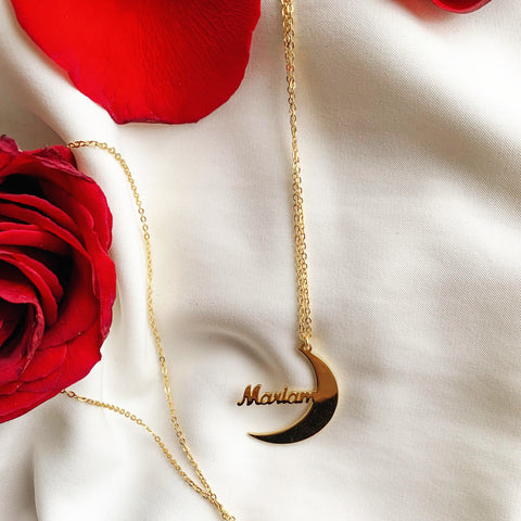 ZUDO Crescent moon Name Necklace