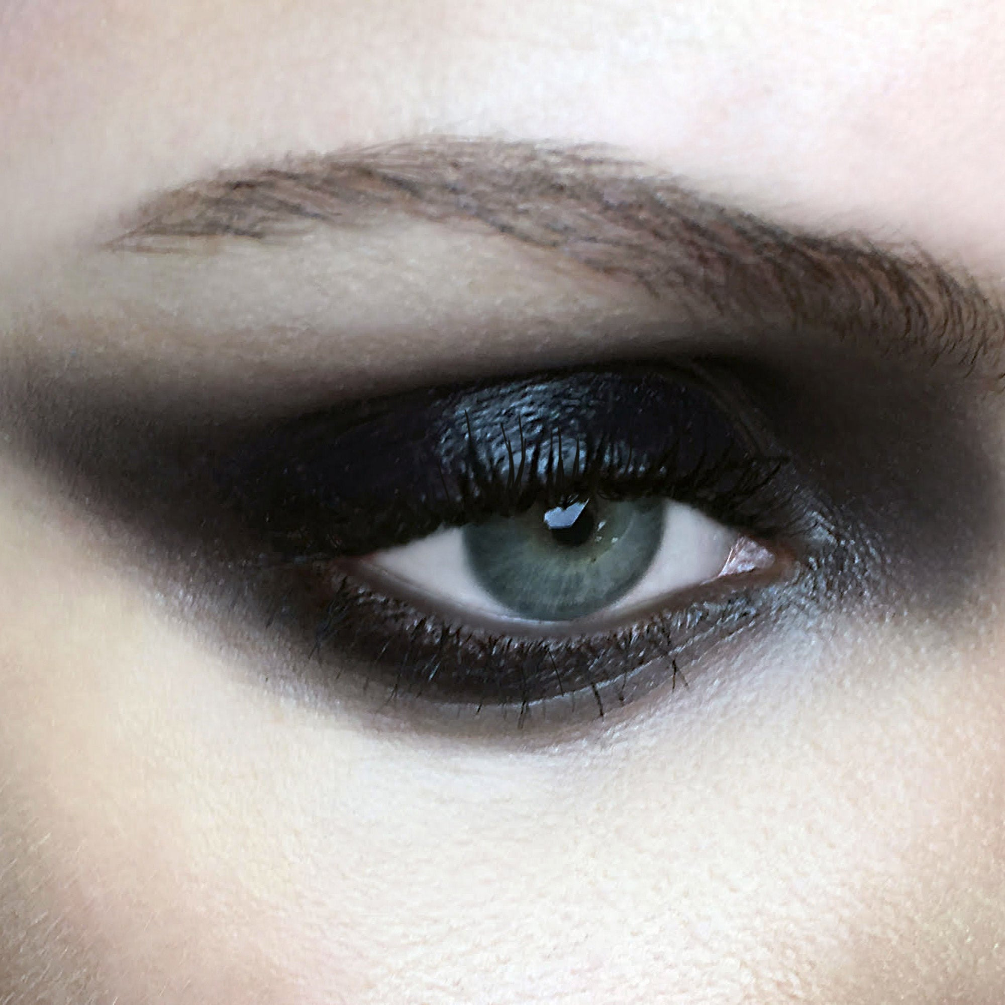 Eclipse Inner Glow Crème Pigment + Obsidian Ash and Ember Eye Soot